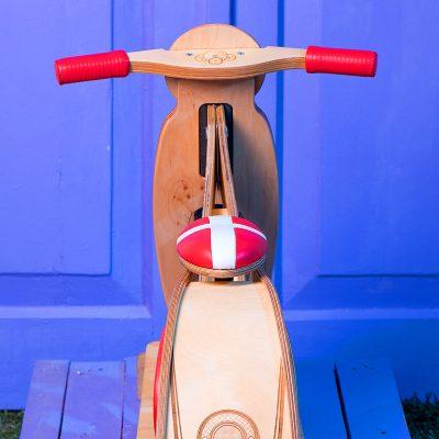 купить экологичный деревянный беговел Swiss киев